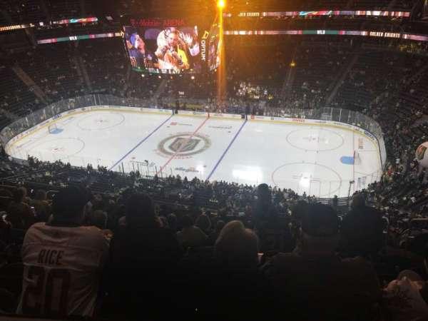 T-Mobile Arena, sección: 225, fila: Tt, asiento: 8