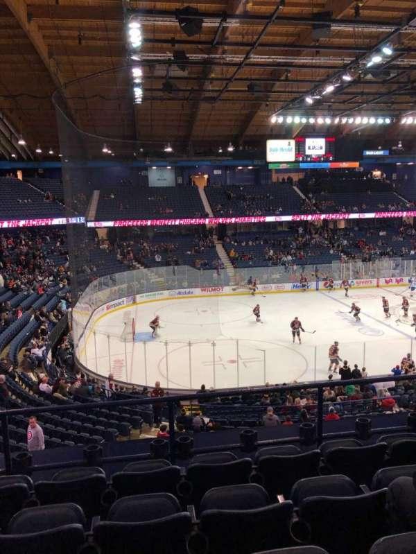Allstate Arena, sección: 212, fila: E, asiento: 21