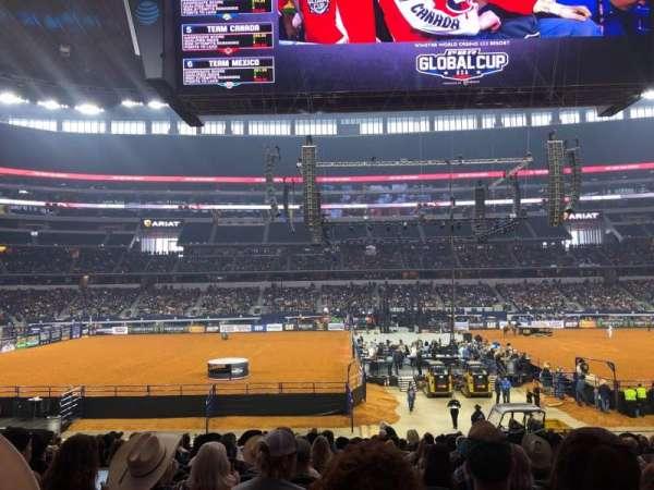 AT&T Stadium, sección: C136, fila: 19, asiento: 13