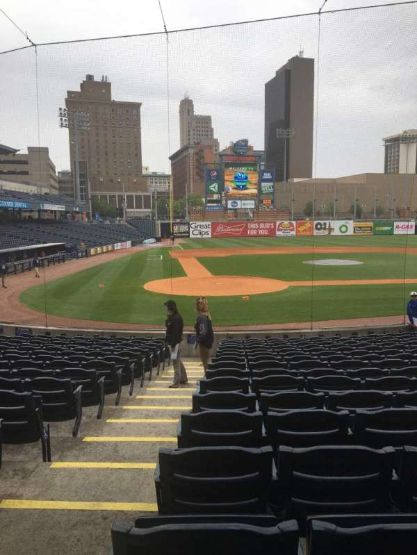 Fifth Third Field, sección: 113, fila: S, asiento: 18
