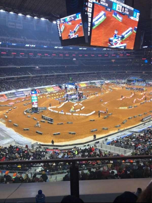 AT&T Stadium, sección: 318, fila: 2, asiento: 12