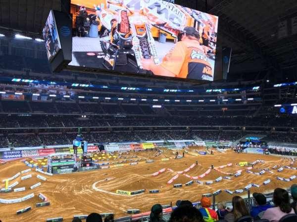 AT&T Stadium, sección: C213, fila: 7, asiento: 8