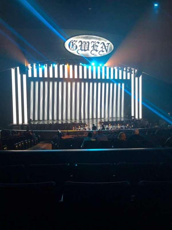 Zappos Theater, sección: 206, fila: D, asiento: 8