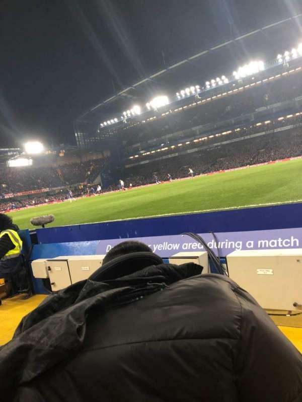 Stamford Bridge, sección: East Lower North, fila: D, asiento: 177
