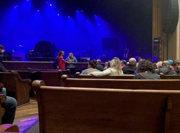 Ryman Auditorium, sección: MF-5, fila: H, asiento: 11,12