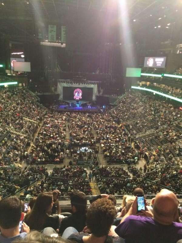 State Farm Arena, sección: 215, fila: G, asiento: 20