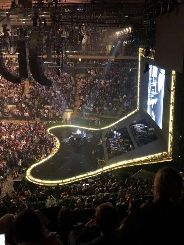 Madison Square Garden, sección: 213, fila: 7, asiento: 1