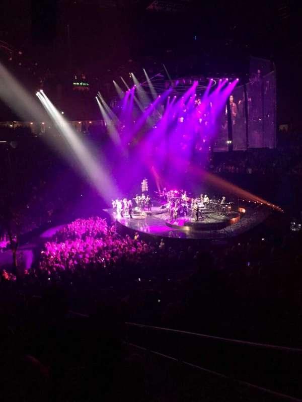 T-Mobile Arena, sección: 16, fila: S, asiento: 22