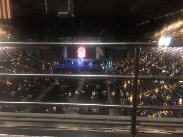 Royal Farms Arena, sección: 328, fila: B, asiento: 6