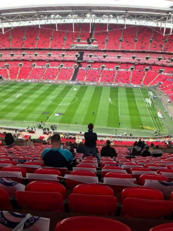 Wembley Stadium, sección: 550, fila: 32, asiento: 330