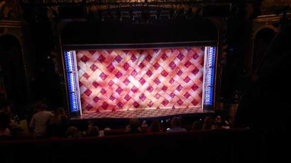 Brooks Atkinson Theatre, sección: Mezzanine, fila: E, asiento: 115