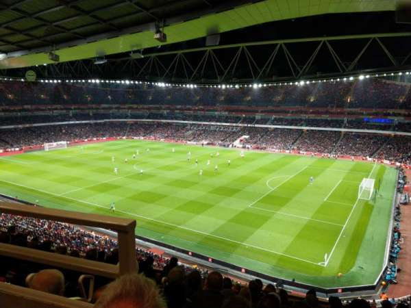 Emirates Stadium, sección: 109, fila: 9, asiento: 488