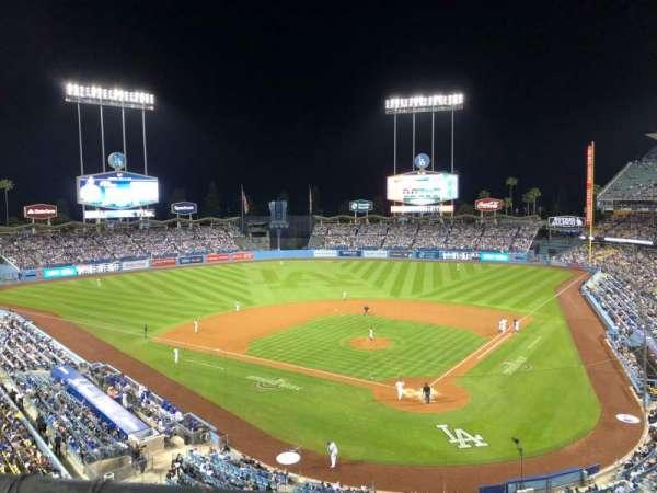 Dodger Stadium, sección: 5RS, fila: A, asiento: 5
