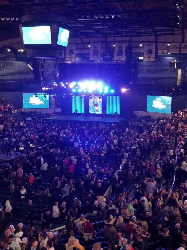 Allstate Arena, sección: 213, fila: B, asiento: 1
