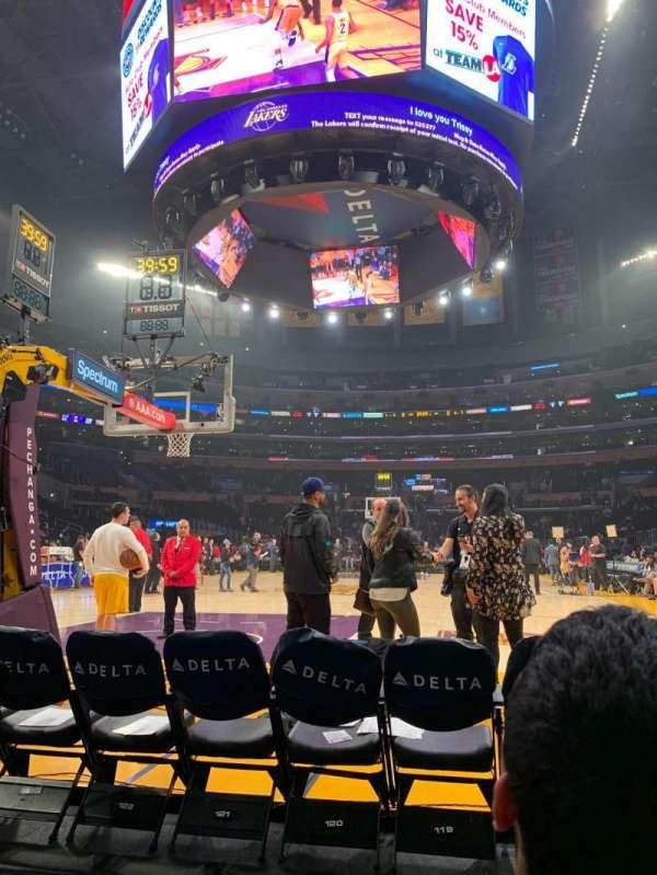 Staples Center, sección: 115, fila: B, asiento: 4