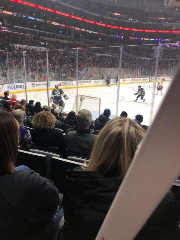 Staples Center, sección: 106, fila: 8, asiento: 7