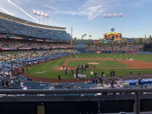 Dodger Stadium, sección: 120LG, fila: B, asiento: 1-2