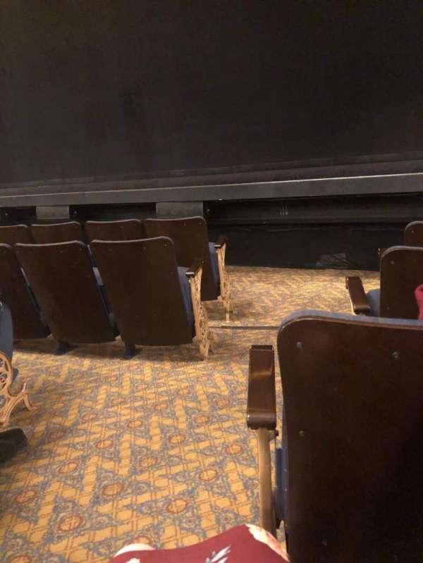 Ambassador Theatre, sección: Orchestra R, fila: C, asiento: 2