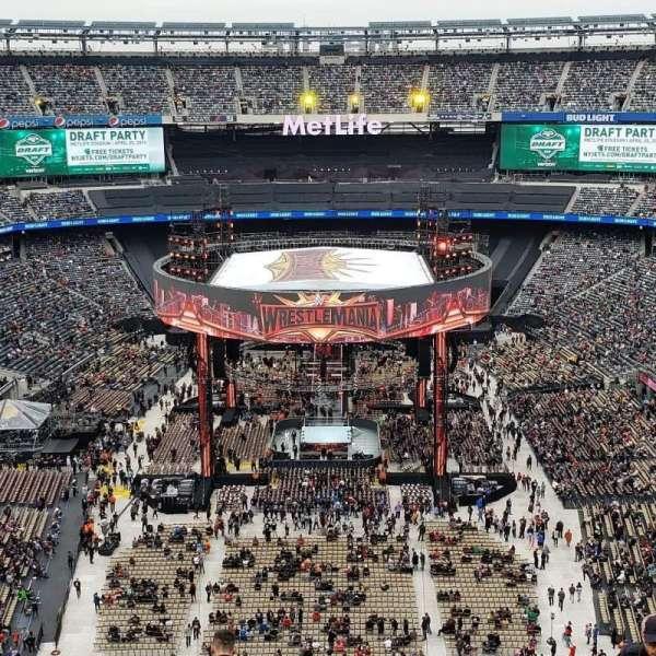 MetLife Stadium, sección: 326, fila: 13, asiento: 14