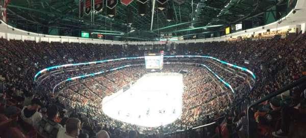 Honda Center, sección: 423, fila: Q, asiento: 1