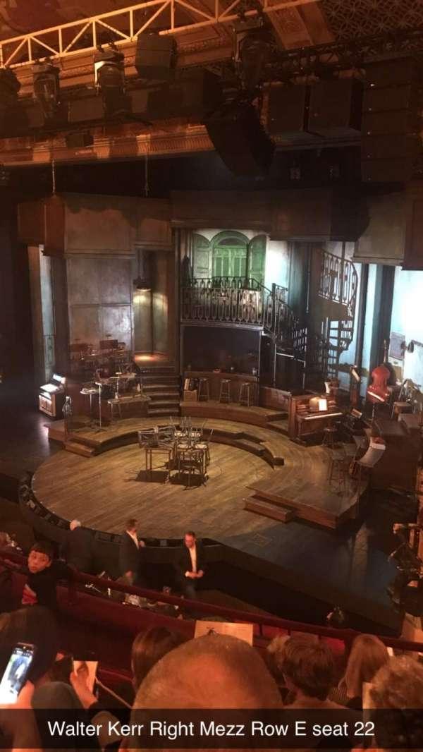 Walter Kerr Theatre, sección: Right Mezz, fila: E, asiento: 22