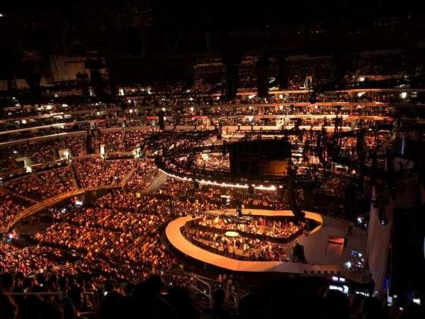 Staples Center, sección: 332, fila: 12, asiento: 15