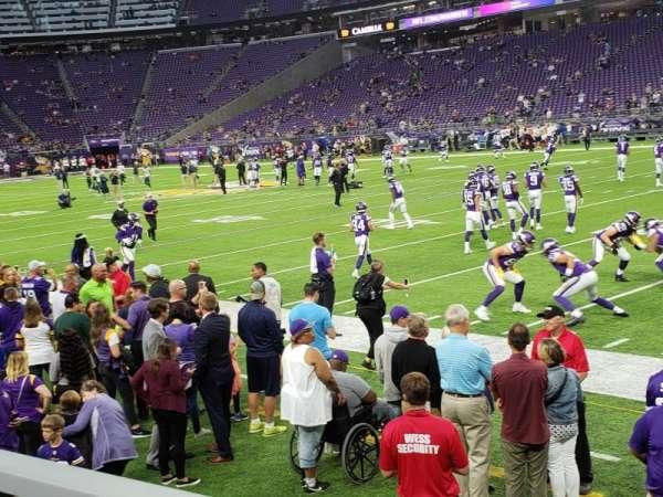 U.S. Bank Stadium, sección: 127, fila: 1, asiento: 3