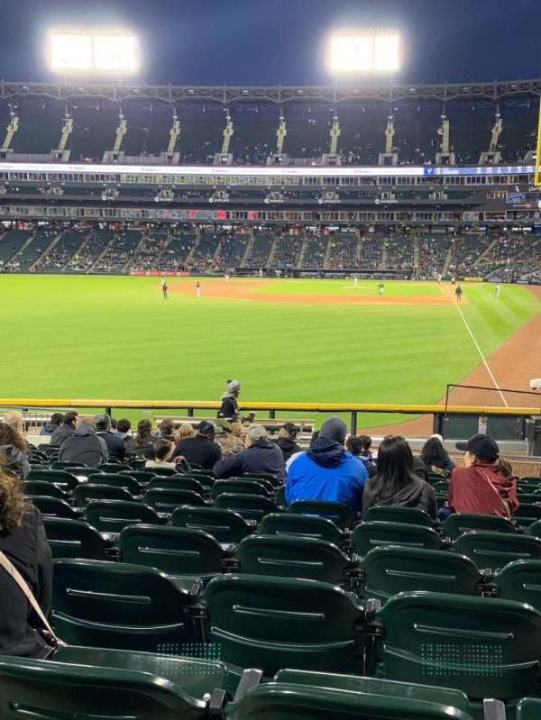 Guaranteed Rate Field, sección: 157, fila: 22, asiento: 9