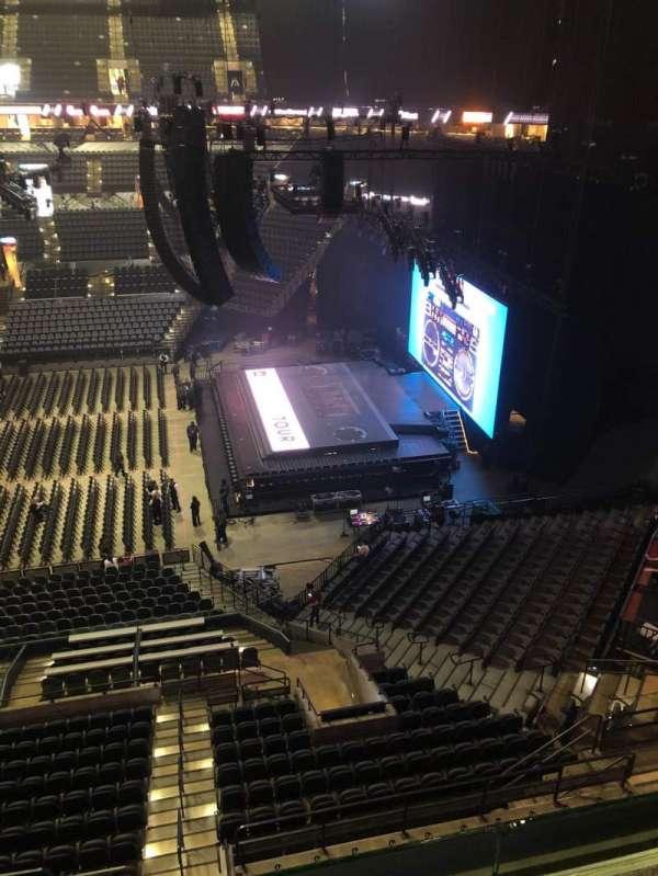 AT&T Center, sección: 222DA, fila: R , asiento: 10