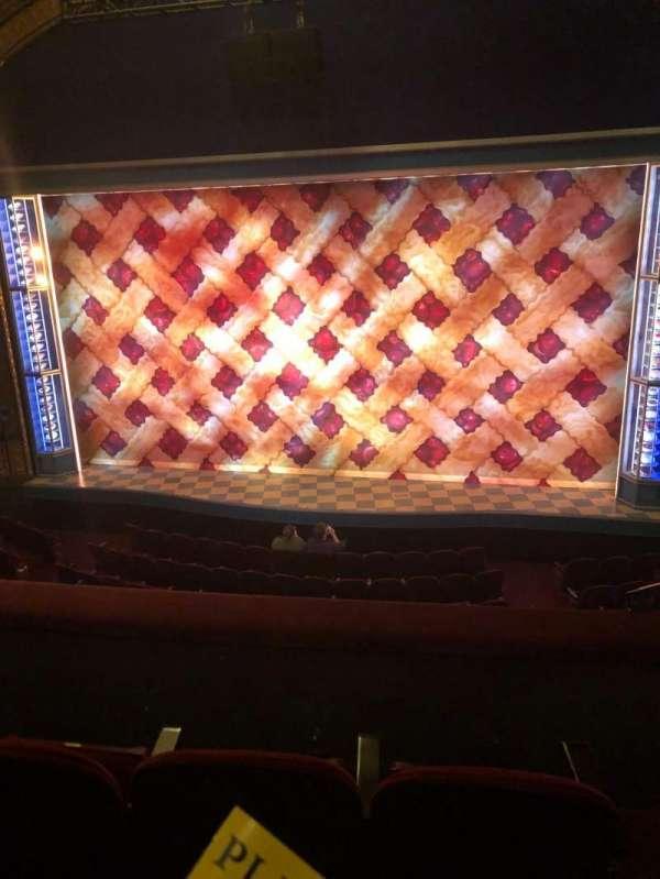 Brooks Atkinson Theatre, sección: Front Mezzanine, fila: C, asiento: 114