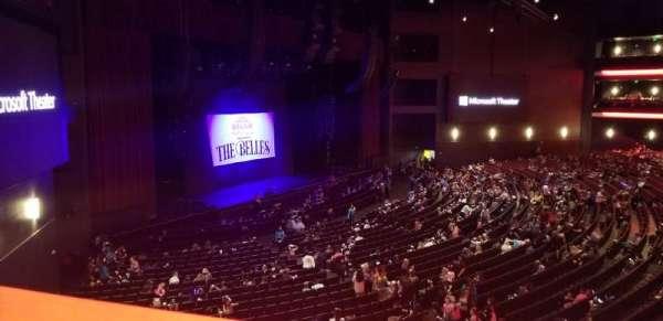 Microsoft Theater, sección: Loge Box F, fila: 1, asiento: 638