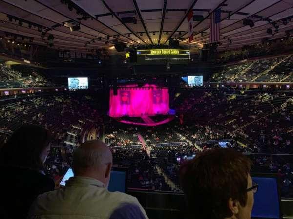 Madison Square Garden, sección: 203, fila: 2, asiento: 7