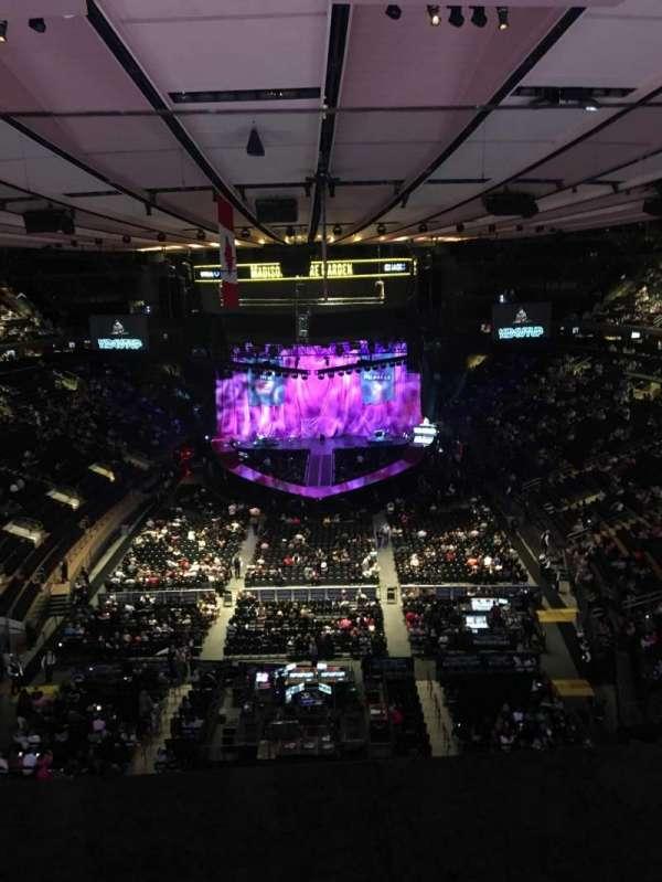 Madison Square Garden, sección: 305, fila: 1, asiento: 10
