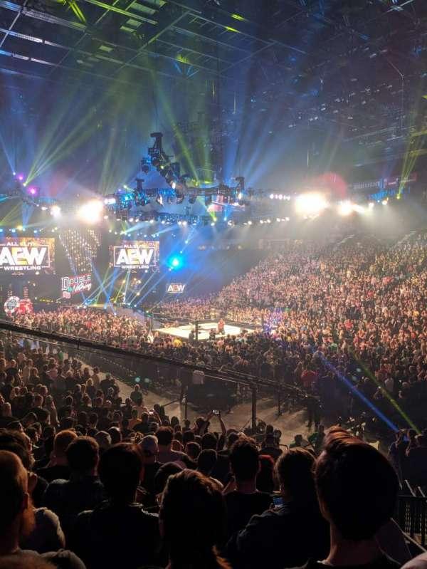 T-Mobile Arena, sección: 7, fila: S, asiento: 2