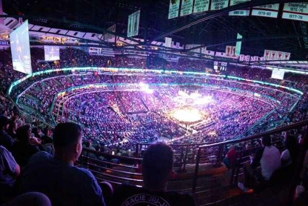 United Center , sección: 305, fila: 11, asiento: 1