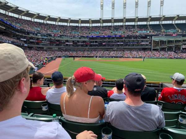 Progressive Field, sección: 113, fila: G, asiento: 17