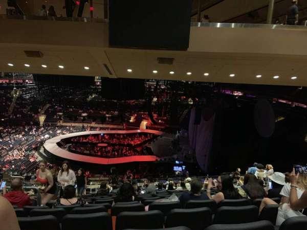 Madison Square Garden, sección: 213, fila: 17, asiento: 7