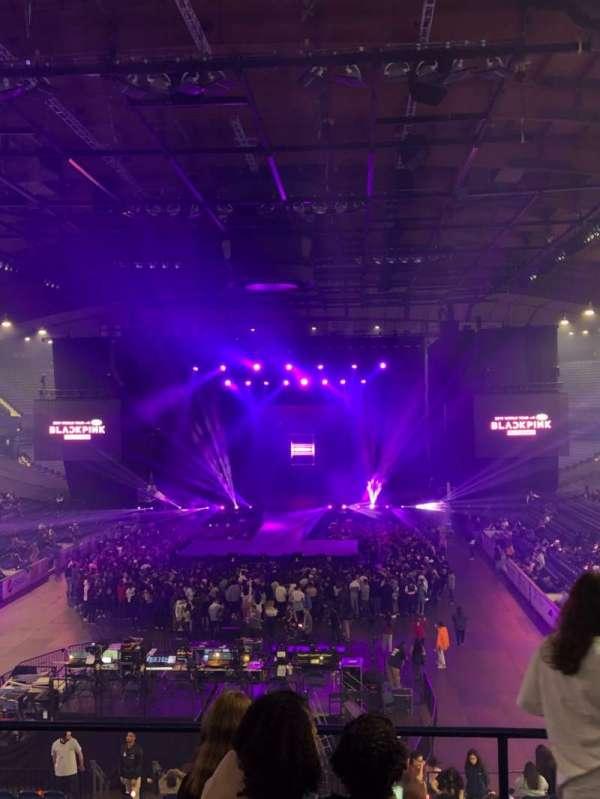Allstate Arena, sección: 214, fila: E, asiento: 21