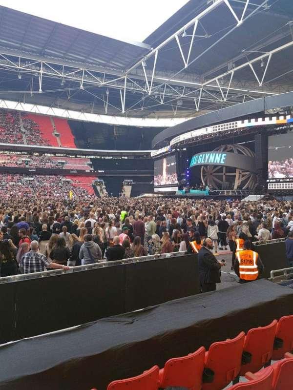 Wembley stadium , sección: 144, fila: 6, asiento: 17