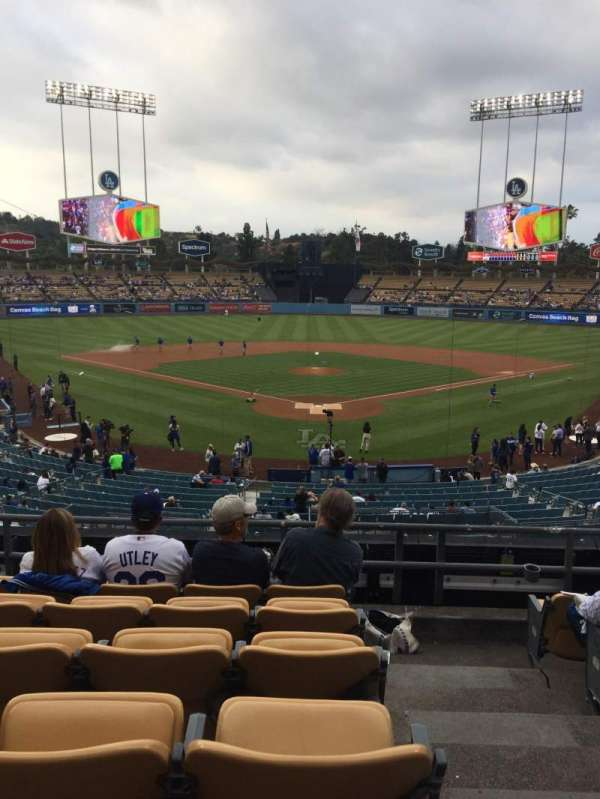 Dodger Stadium, sección: 101LG, fila: F, asiento: 1