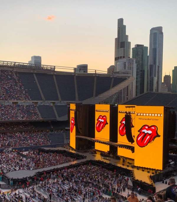 Soldier Field , sección: 310, fila: 15, asiento: 11