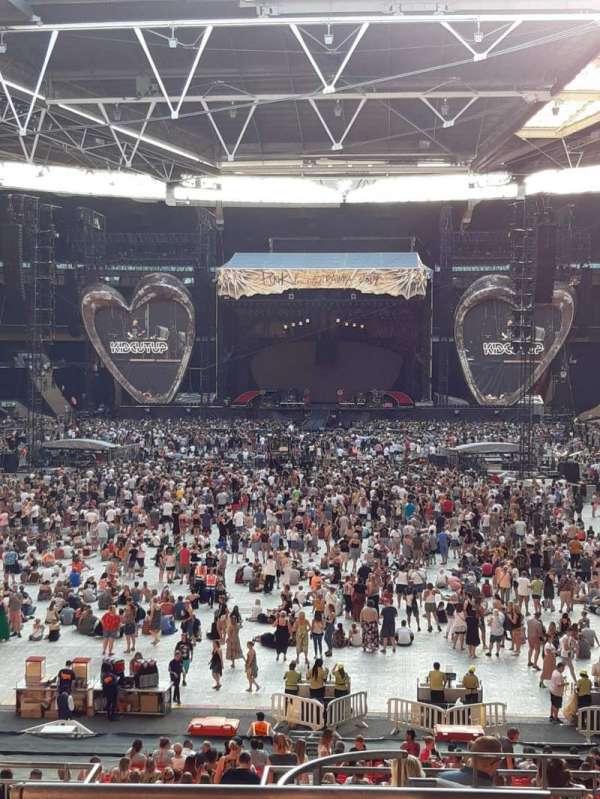 Wembley Stadium, sección: 111, fila: 40, asiento: 254