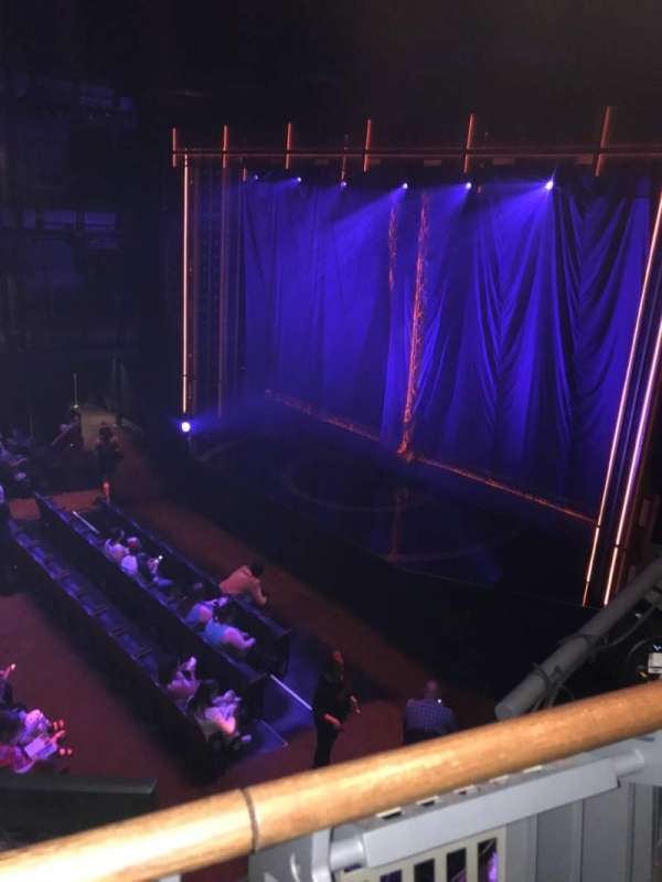 The Yard at Chicago Shakespeare, sección: Middle Gallery, fila: A, asiento: 62