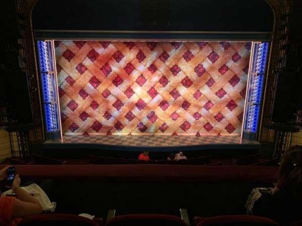 Brooks Atkinson Theatre, sección: Front mezzanine c, fila: C, asiento: 107