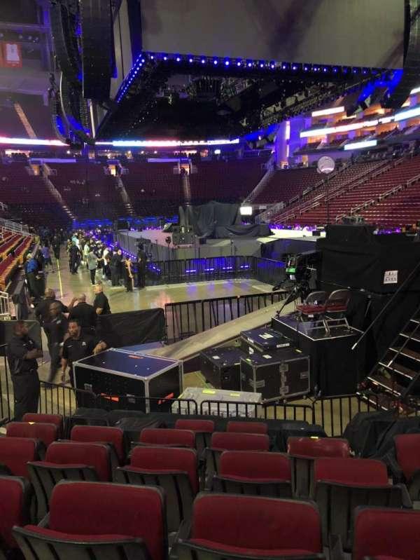 Toyota Center, sección: 102, fila: 10, asiento: 6