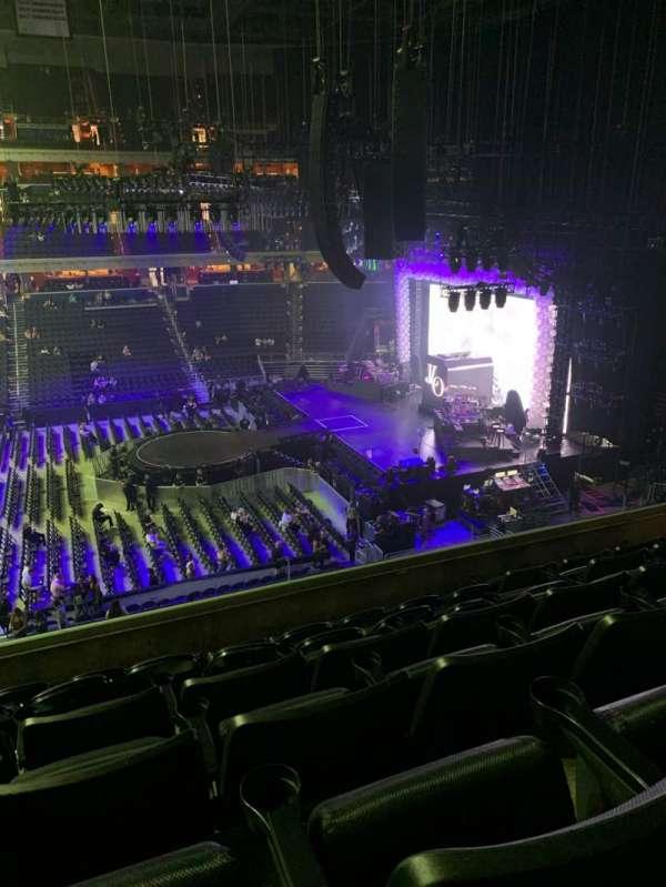 Capital One Arena, sección: 216, fila: F, asiento: 6