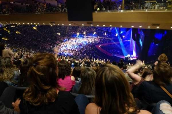 Madison Square Garden, sección: 213, fila: 22, asiento: 19-20