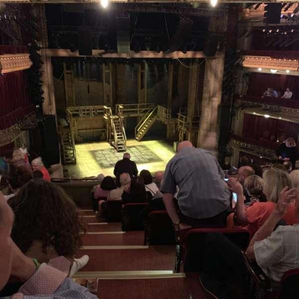 CIBC Theatre, sección: Mezzanine L, fila: J, asiento: 1