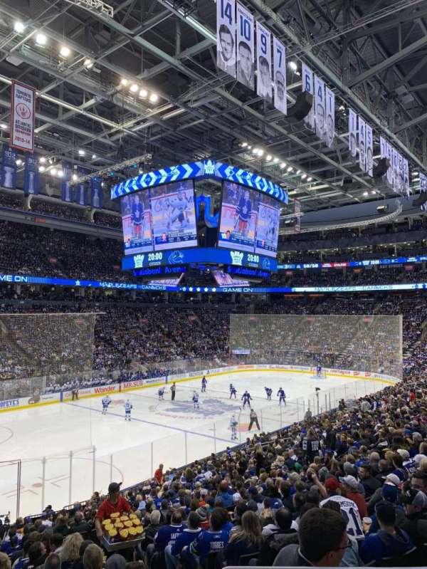 Scotiabank Arena, sección: 111, fila: 24, asiento: 2