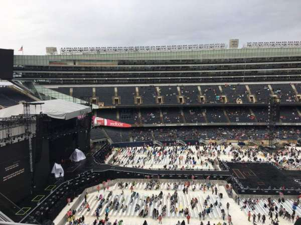 Soldier Field, sección: 441, fila: 3, asiento: 8